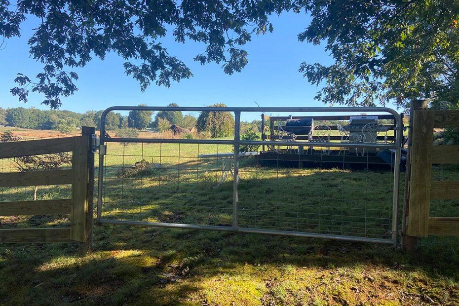 McClure North Georgia Wire Field Gate with a Sure Latch